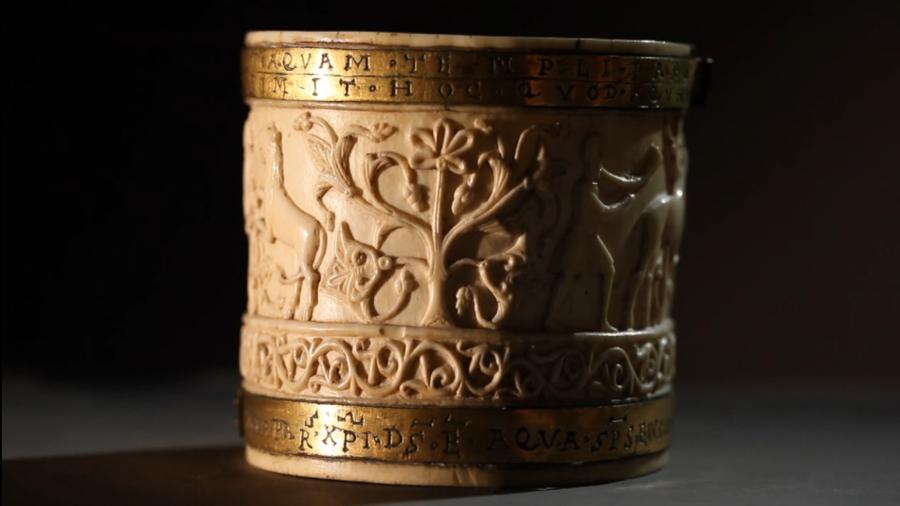 Kunst aus Elfenbein - Miniatur